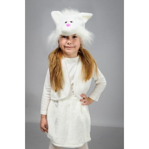 Кошечка белая с жилетом
